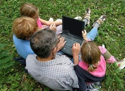 Facebook, vecchi e giovani